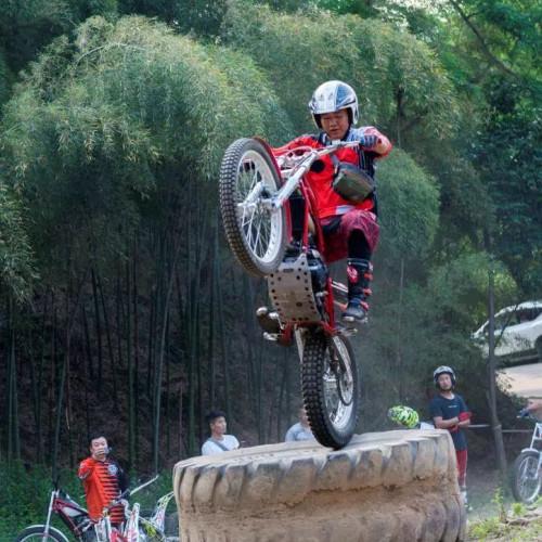 全国摩托车林道挑战赛在二郎山景区圆满举办