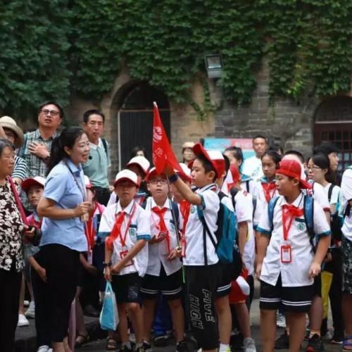 皇城相府:弘扬中华传统美德,在服务中实现自身价值