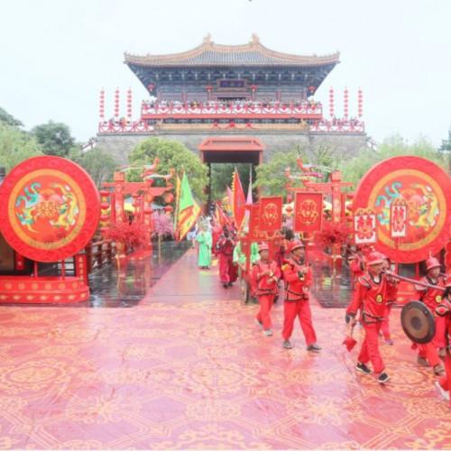 2019河南第一届茅粉节在清明上河园清明文化广场正式开启