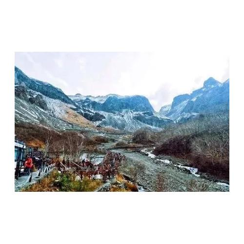 长白山初雪美景,气势雄伟、美不胜收