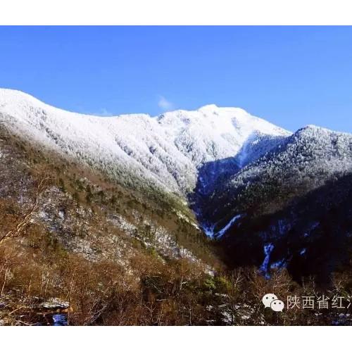秋末冬初的红河谷,五彩的山谷艳丽而明媚