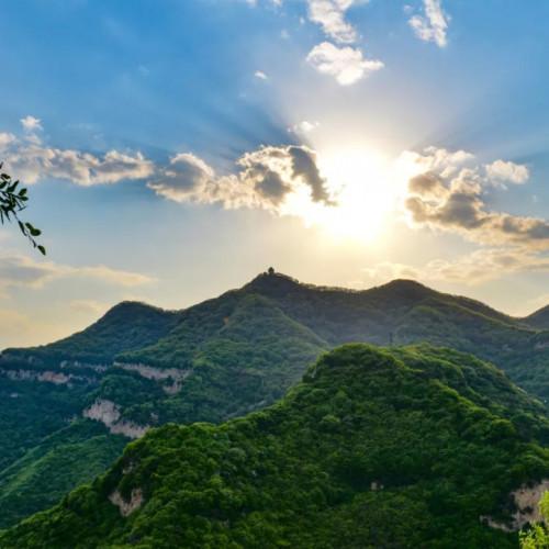 古朴与现代的交融,让人们感受到云丘山独特的经典之美
